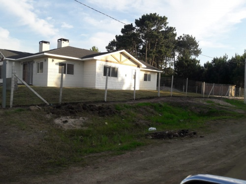Casas en Venta - Alquiler en El Pinar, Ciudad de la Costa, Canelones