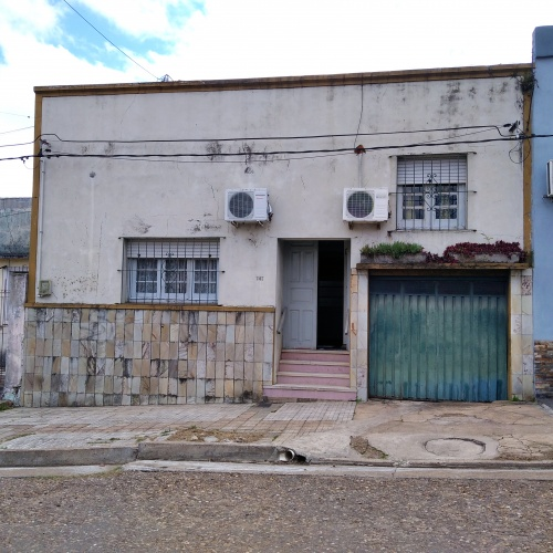 Casas en Venta en Cerro, Salto