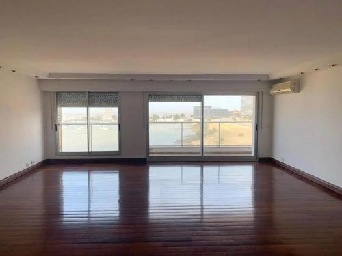 Apartamentos en Venta,  Alquiler en Puerto del Buceo, Montevideo