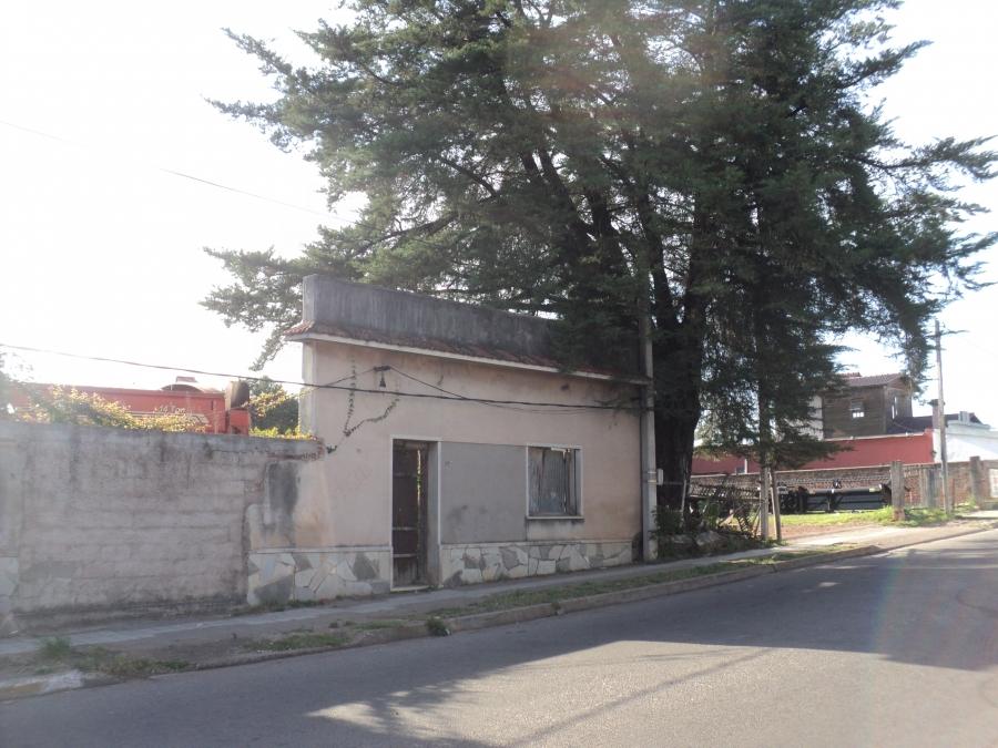 BUEN TERRENO SOBRE Av. LAVALLEJA