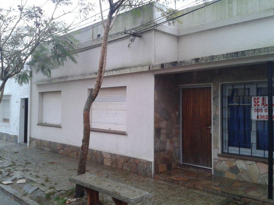 Casa completa falta mantenimiento (Re 1045)